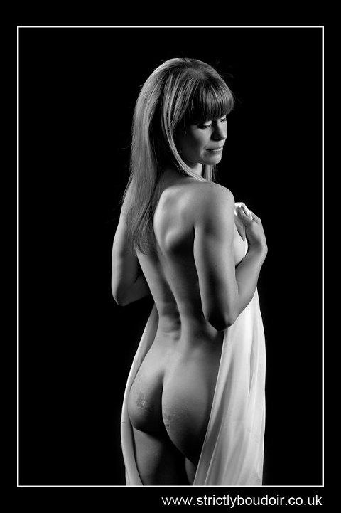 Artistic Nude Photo of Kim