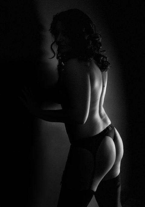 boudoir-studio-dark-moody