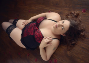 boudoir photo session red and black corset