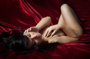 boudoir pose and lighting ideas