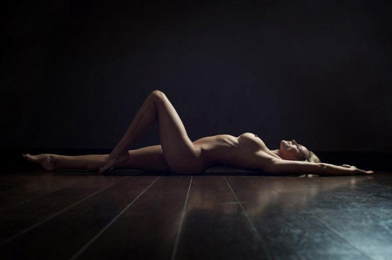 nude_photo_shoot_strictly_boduoir_the_sun_newspaper_mikaela_morgan